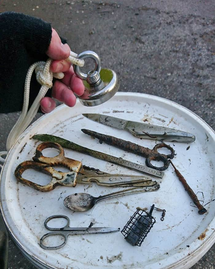 magnet-fishing